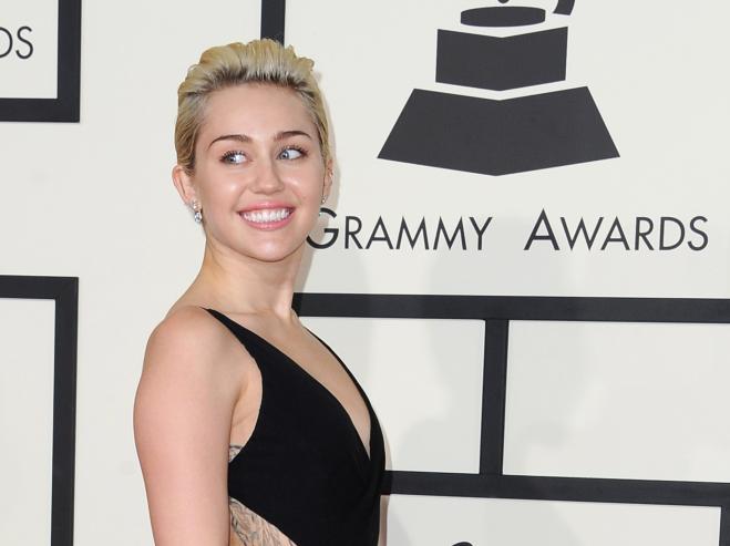 Miley Cyrus e Liam Hemsworth sono di nuovo una coppia, è ufficiale!