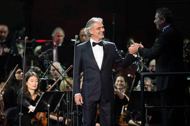 Troppe polemiche, Andrea Bocelli non canterà per Trump