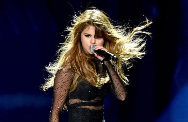 Gara a colpi di like: Selena Gomez batte Justin Bieber