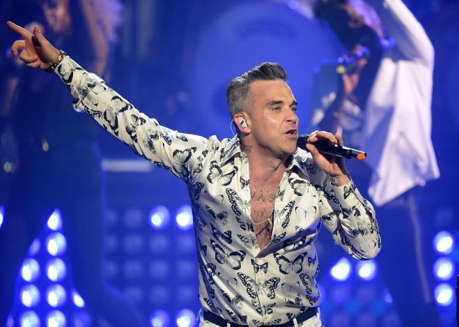 'Party Like a Russian', Robbie Williams è tornato