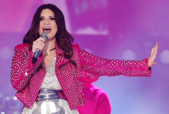 Laura Pausini ha girato il nuovo video insieme a 800 fan