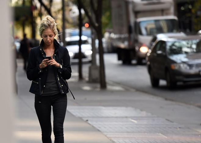 In Olanda i primi semafori con segnalazione per malati di smartphone