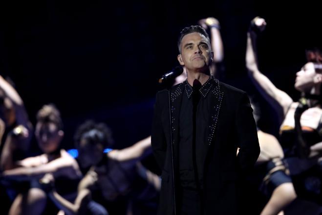 Robbie Williams fa tripletta in Italia: si esibirà anche a Lucca