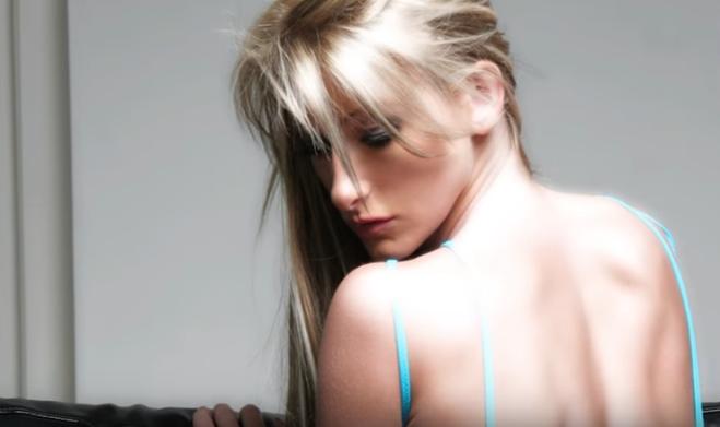 video porno hot milf ragazze in micro bikini