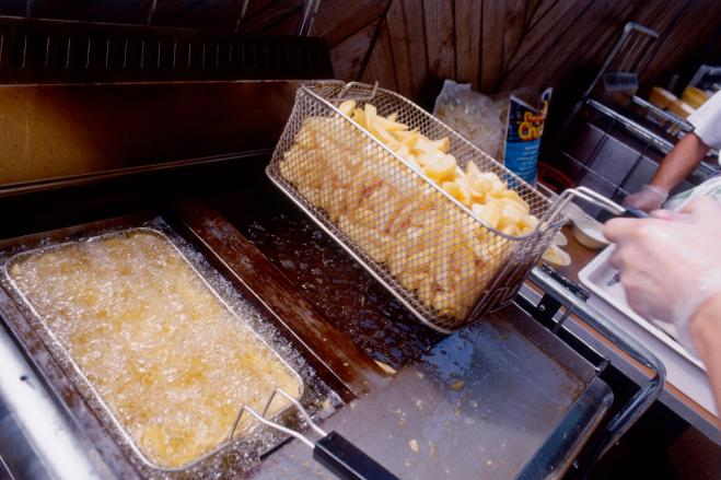 Puzza di fritto nel condominio da oggi reato radio 105 - Puzza di fogna in casa ...