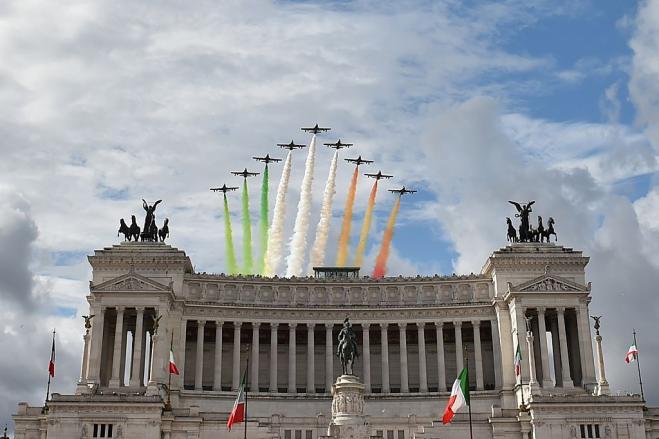 Festa della repubblica qualche curiosit storica su for Repubblica italiana nascita
