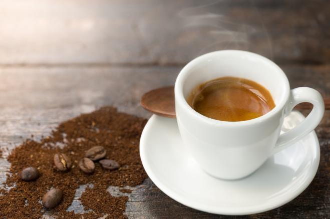 Tre tazzine di caffè al giorno allungano la vita