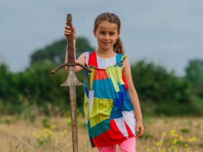 Ritrovata una spada sul fondo del lago Dozmary Pool: è Excalibur?