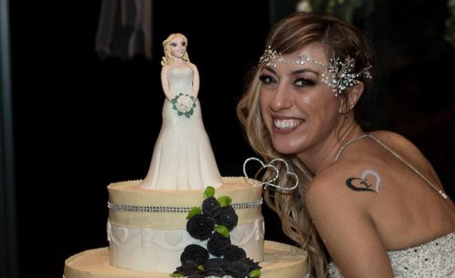 Promette amore eterno a se stessa: è la prima sposa single d'Italia