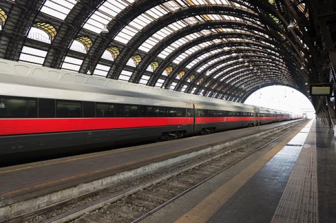 Treno in anticipo di 20 secondi in Giappone, l'azienda chiede scusa