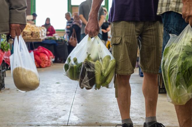Sacchetti frutta e verdura dei supermercati a pagamento
