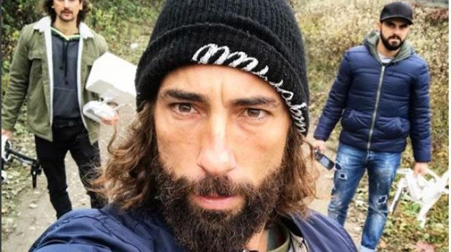 Striscia la Notizia, Vittorio Brumotti aggredito da spacciatori a Milano