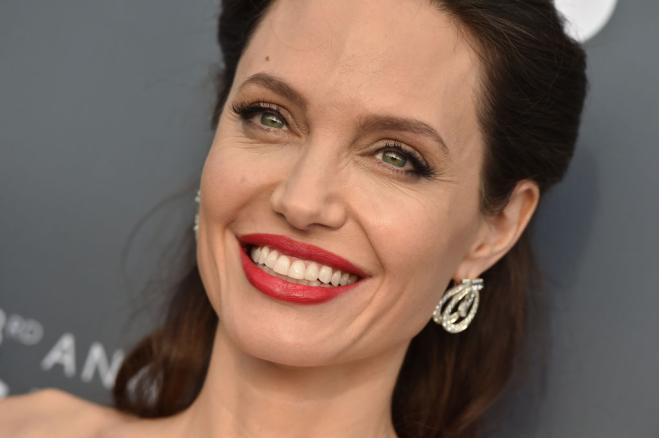 Angelina contro la violenza