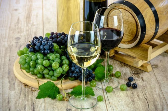 Due bicchieri di vino al giorno mantengono il cervello in forma