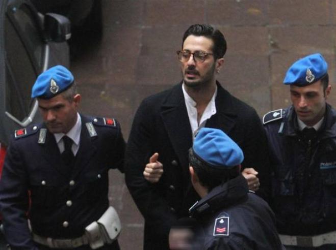 Fabrizio Corona esce dal carcere, il tribunale: