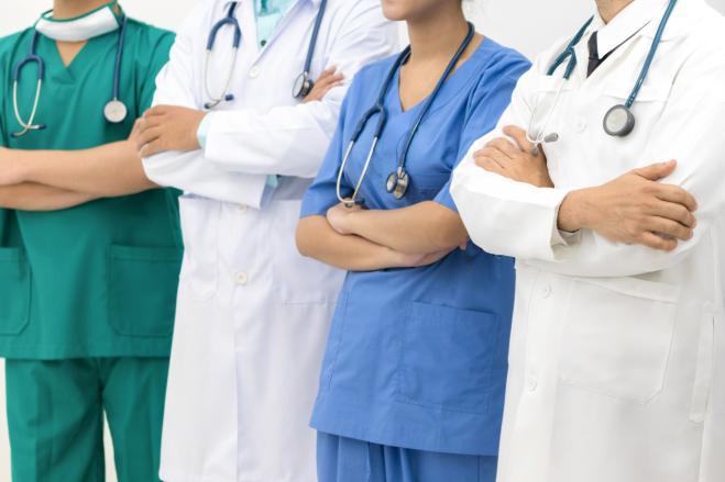Medici in Canada contro gli aumenti di stipendio