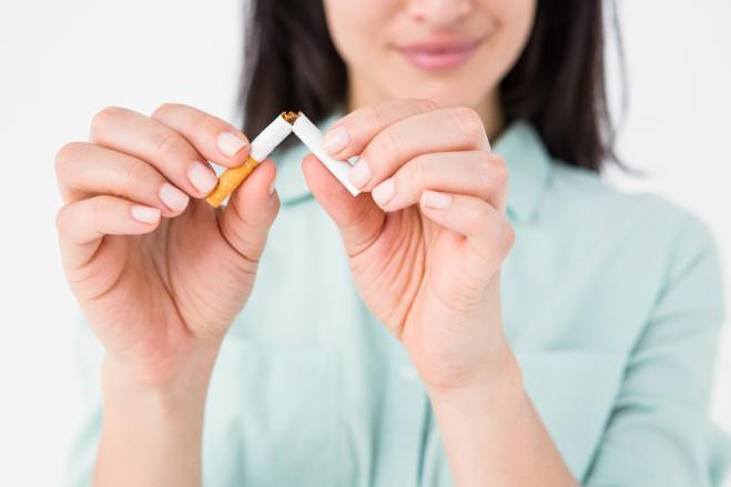 Danni del fumo sulla pelle: benefici di smettere di fumare