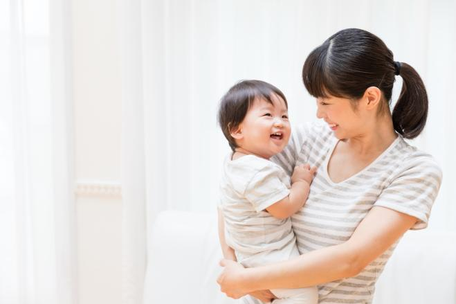 """In Giappone le donne devono rispettare il """"calendario delle gravidanze"""" per avere figli"""