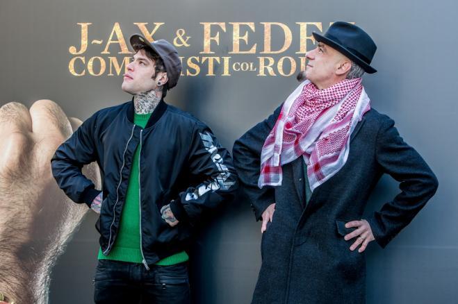 J-Ax lascia l'agenzia fondata con Fedez