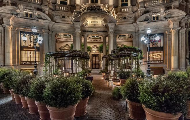 Starbucks a Milano: le prime immagini degli interni