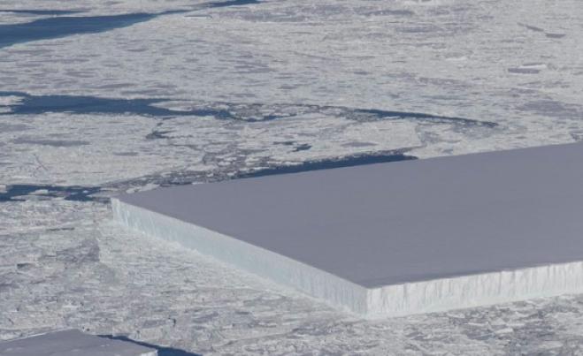 http://105.net/resizer/659/-1/true/1540220634657.png--la_nasa_ha_fotografato_un_iceberg_perfettamente_rettangolare.png