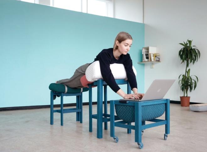 Ecco i mobili per lavorare sdraiati in ufficio radio 105 - Mobili da anticamera che riflettono ...