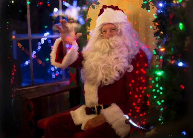 Esiste Babbo Natale Si O No.Maestra Rivela Ai Bimbi Che Babbo Natale Non Esiste E Viene