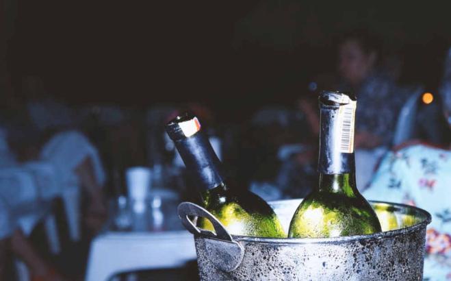 Un bicchiere di vino rosso può sostituire l'attività fisica?