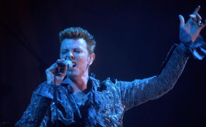 David Bowie, biografia svela: