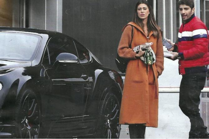 Belen E Iannone Si Regalano Una Bentley Da 400 Mila Euro Foto 1 Di 8 Radio 105