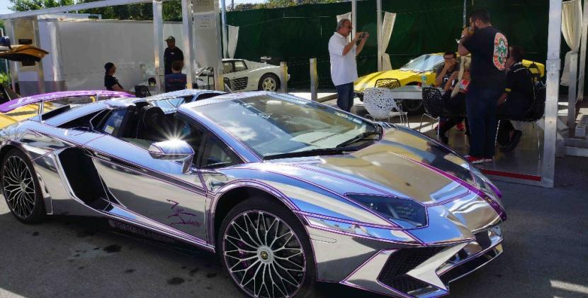 Bolidi e lusso sfrenato.. al Miami Supercar Room!