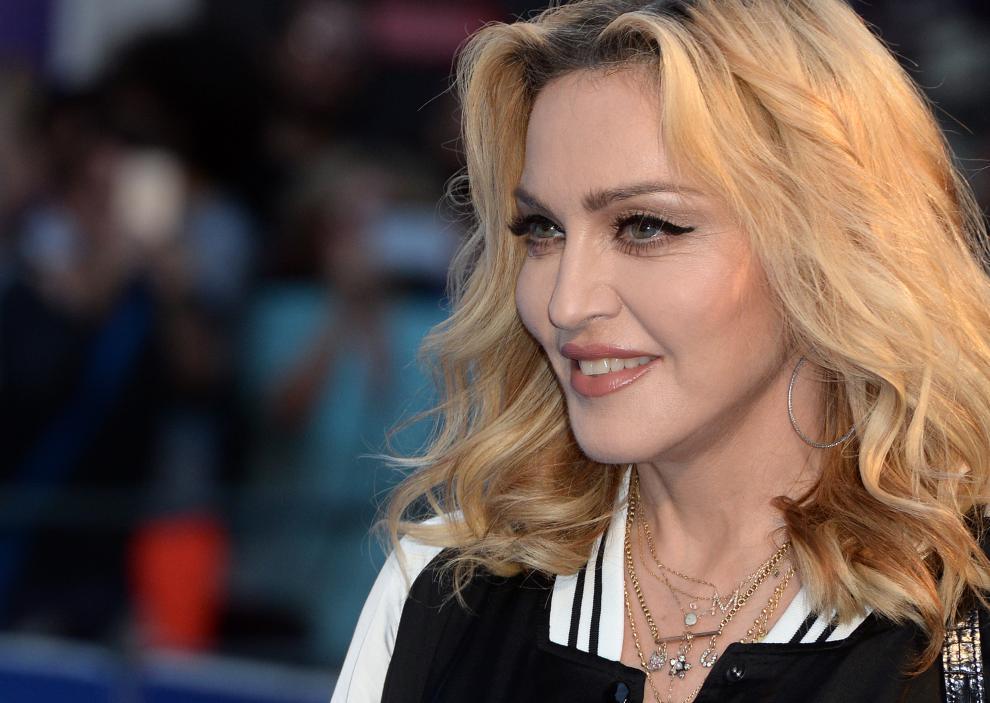 """La cantante Madonna annuncia: """"Niente più cellulari al concerto"""""""