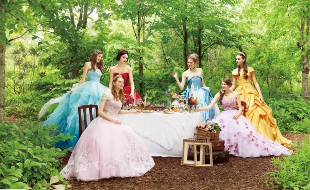 3af468aee2d6 La Disney ora produce abiti da sposa ispirati alle sue principesse ...